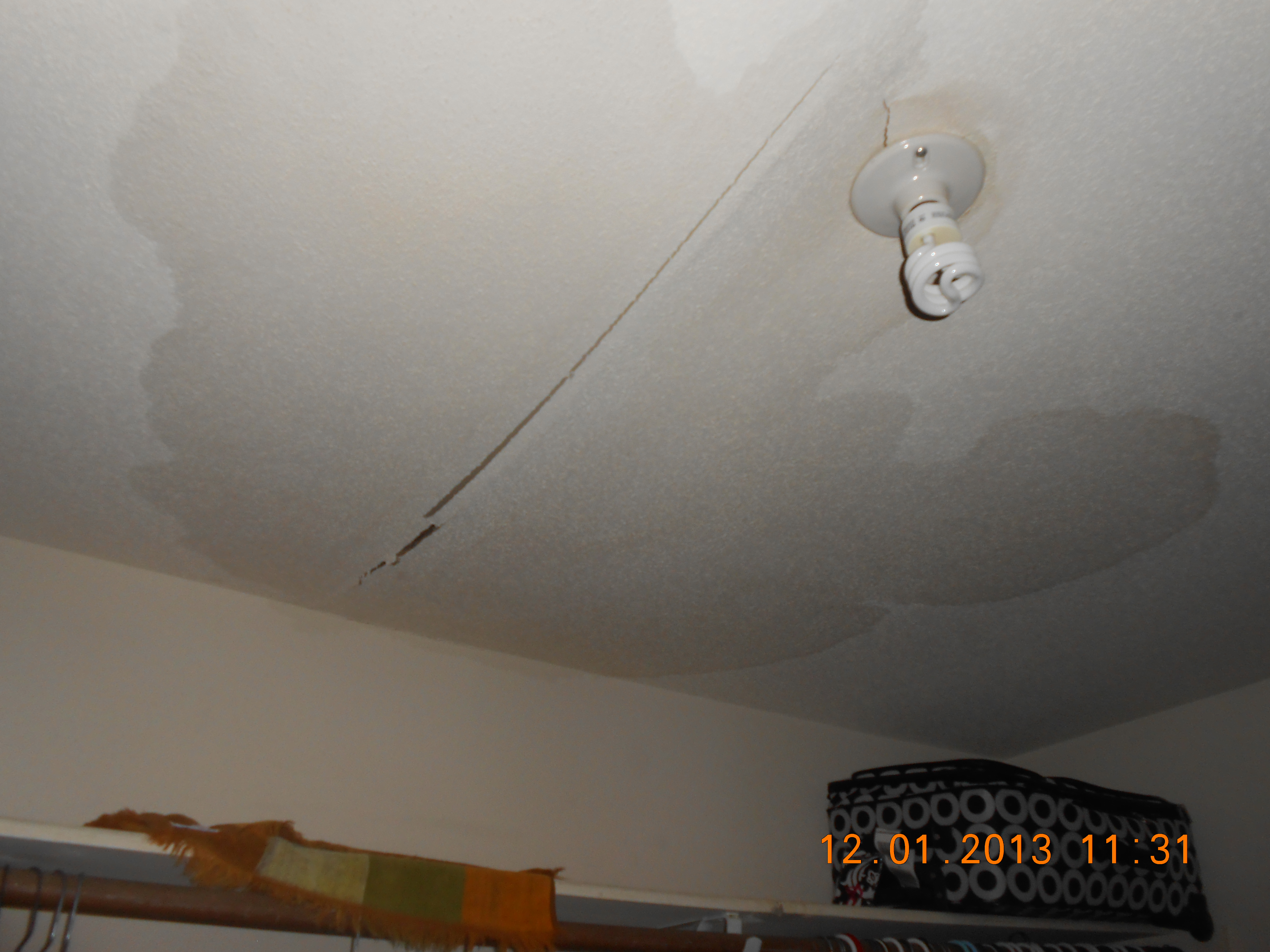 Water Damage To A Ceiling In Katy Tx Servicemaster